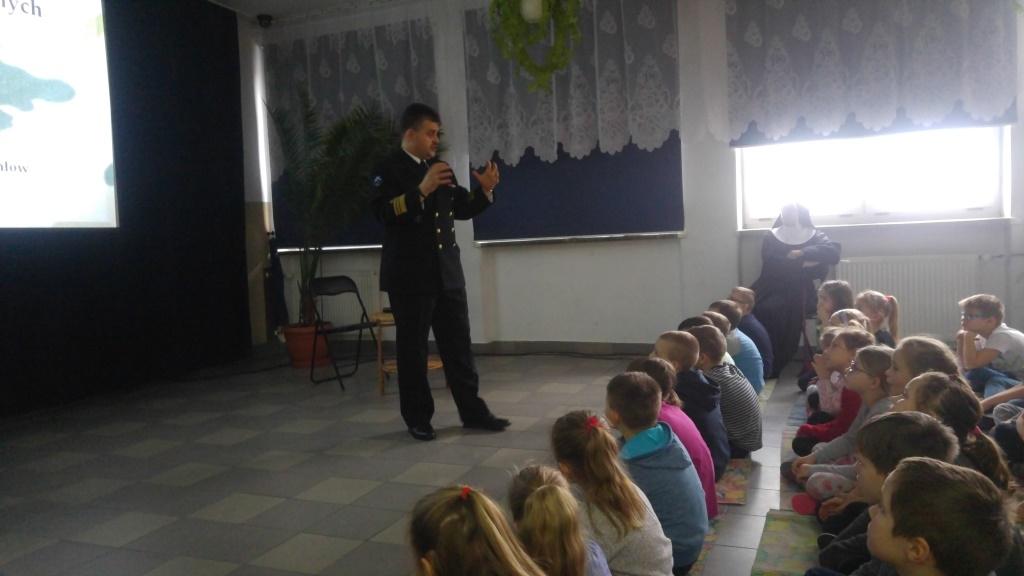 02-04-2018-Spotkanie z komandorem porucznikiem Maciejem Jonikiem (2)