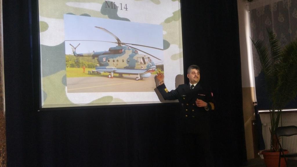 02-04-2018-Spotkanie z komandorem porucznikiem Maciejem Jonikiem (4)