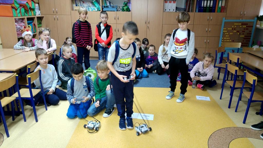 4-06-12-2017-zajecia-robotyki (4)