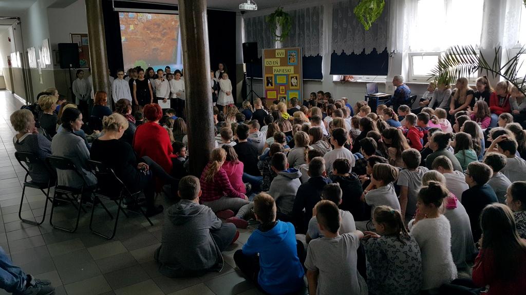 5-06-10-2017-dzien-papieski (6)